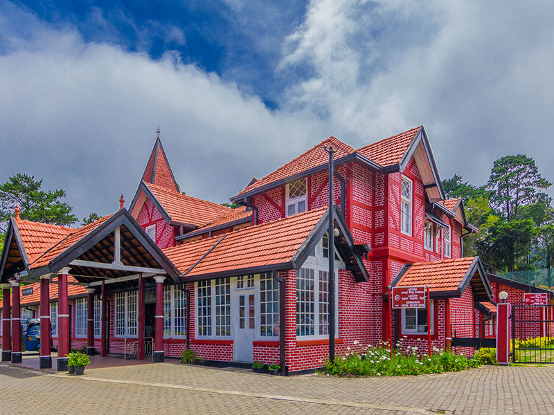 Best things to do in Nuwara Eliya - Places to Visit in Nuwara Eliya - Attractions in Nuwara Eliya - Top Things to do in Nuwara Eliya - Nuwara Eliya experiences - Leisure places in Nuwara Eliya - Tea Estate in Nuwara Eliya- Tea Trails Nuwara Eliya - Nuwara Eliya Tea Estate Walks