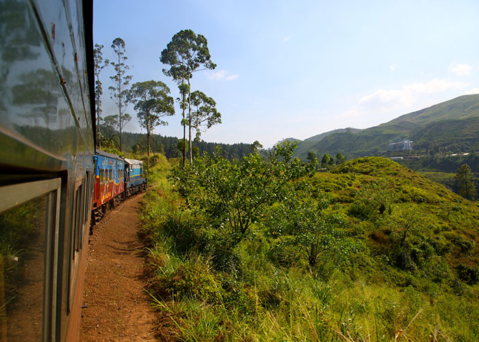 Scenic train journeys in Sri Lanka, Kandy Ella Scenic train journey, Ella Train journey, Kandy – Haputale train in Sri Lanka, Sri Lanka kandy-ella-haputale train ticket bookings - Train Tours in Sri Lanka - Sri Lanka Train Tours - Train Journey in Sri Lanka