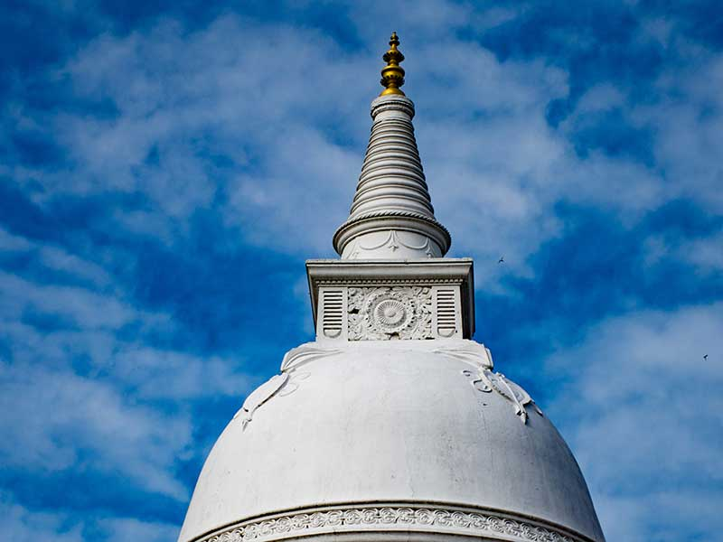 Isurumuniya Rock Temple Anuradhapura, Visit Isurumuniya Temple on your trip to Anuradhapura, Picture of Isurumuniya Temple, Isurumuniya Temple - Anuradhapura Kingdom